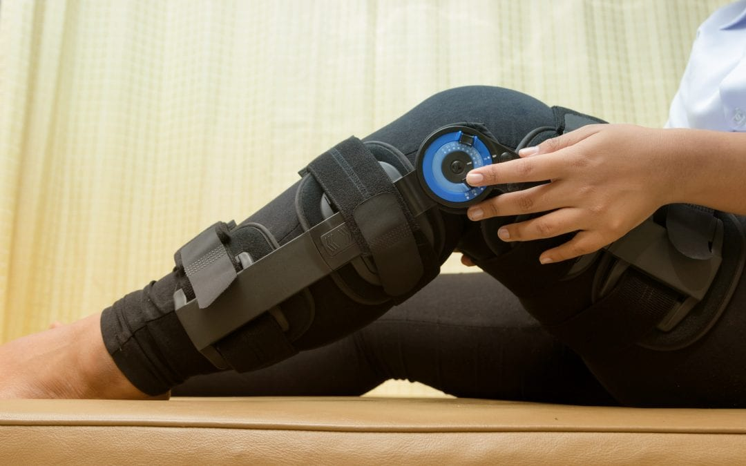 What Are the Symptoms of an ACL Tear?